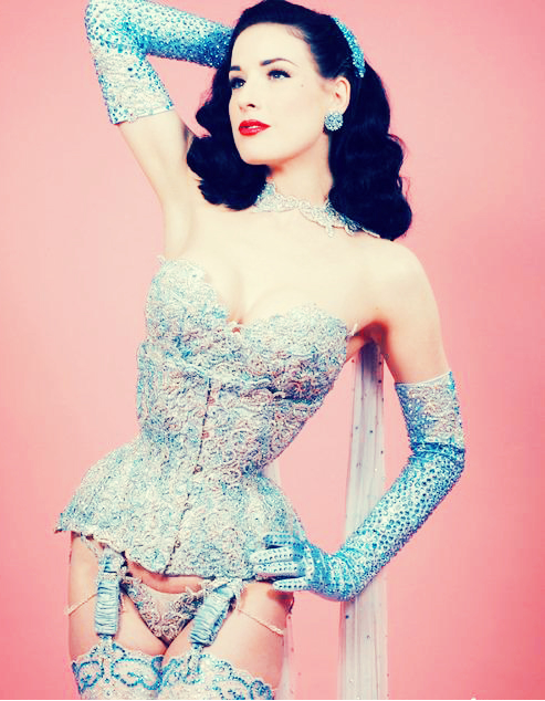 Dita Von Teese corset jewelled pastel (Kim Philley for FU), Vanessa Boots, corsets, subtly slutty, Asian Street Style, Bangkok fashion, Bangkok street style, Thai fashion, http://http://www.frivolousuniverse.com/, FU, Frivolous Universe, fashion