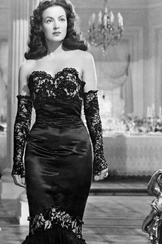 Maria Felix, the little black dress, La Dona, Vanessa Boots, Kim Philley, Frivolous Universe, street style, FU